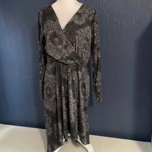 LOGO by Lori Goldstein Dress Sz M Hi Low Gray